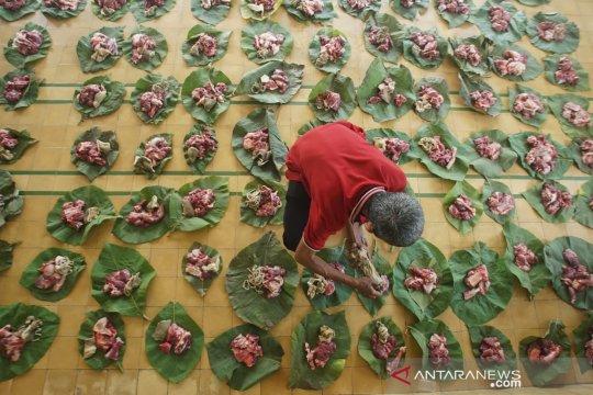 Pembagian daging kurban di Yogyakarta