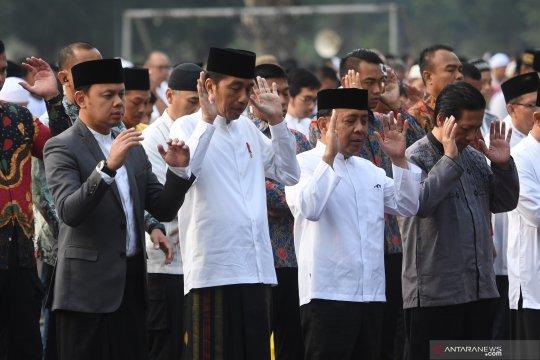 Jokowi dan Ibu Negara Iriana Shalat Idul Adha di Kebun Raya Bogor