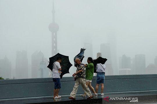 Topan Lekima menerjang China