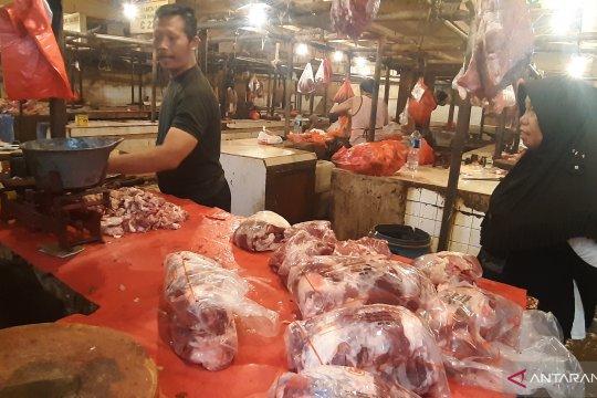 Usai Idul Adha, penjualan daging di Pasar Minggu sepi
