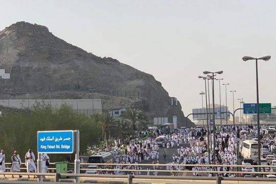 Kepadatan Mekkah membuat jamaah cuma bisa jalan kaki saat puncak haji