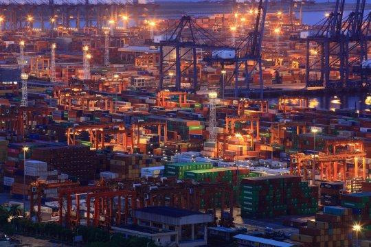 Goldman Sachs: Kekhawatiran naik, perang dagang AS-China menuju resesi