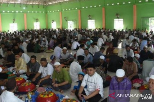 Gubernur Bangka Belitung ikut Nganggung untuk peringati Maulid Nabi
