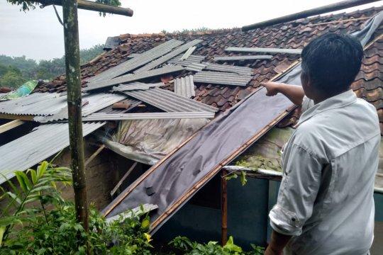 Kerugian akibat bencana selama Juli mencapai Rp1,94 miliar
