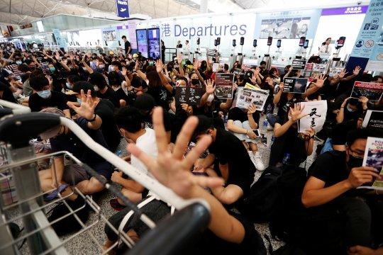 Kemlu keluarkan imbauan perjalanan ke Hong Kong