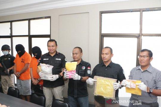 Polda Kalsel gagalkan pasokan 2,5 kilogram sabu jaringan Jakarta