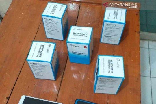 Pengedar ribuan pil tramadol dan hexymer di Bekasi diringkus