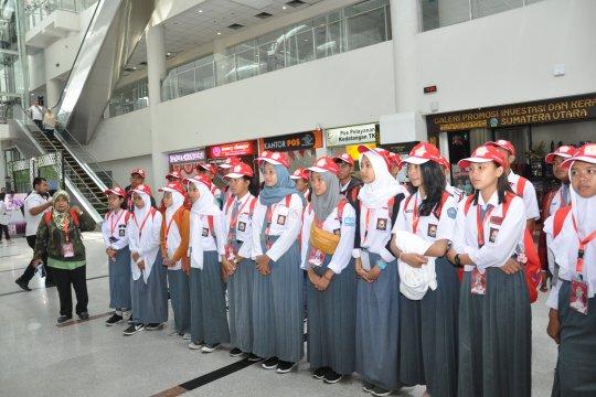 Penyandang disabilitas peserta SMN Sulteng tertarik lagu batak