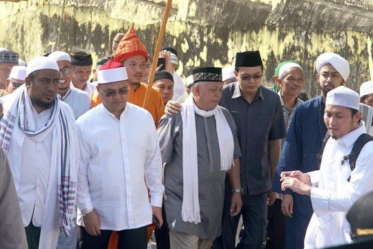 Warga Mentok gelar tradisi Ziarah Kute Seribu