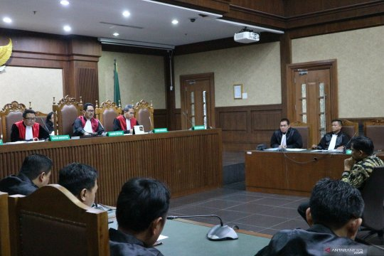 Politikus Golkar Bowo Sidik didakwa terima gratifikasi untuk kampanye