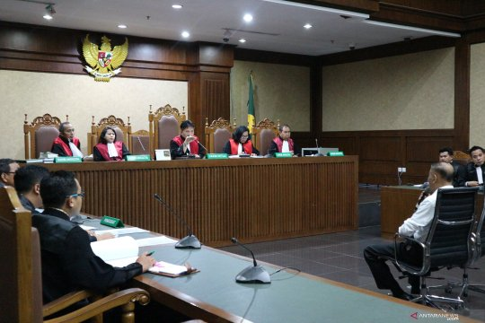Politikus Golkar Markus Nari didakwa rintangi perkara korupsi KTP-E