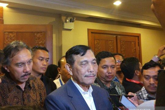 Bertemu CRCC, Luhut sebut China ingin garap kereta Jakarta-Surabaya