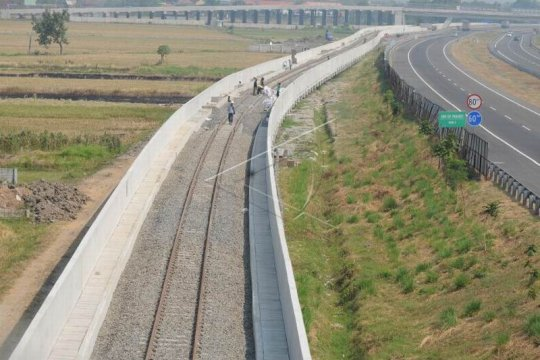 Pembangunan jalur kereta api bandara Adi Soemarmo Page 3 Small