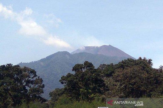 Aktivitas warga lereng Gunung Slamet Purbalingga berjalan normal