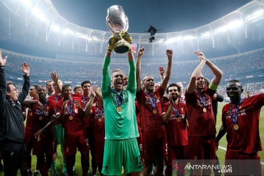 Sebelum adu penalti, Van Dijk bisiki Adrian ia bisa jadi pahlawan
