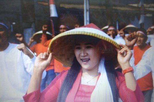 Warga binaan Lapas Karawang menari bersama sambut hari kemerdekaan