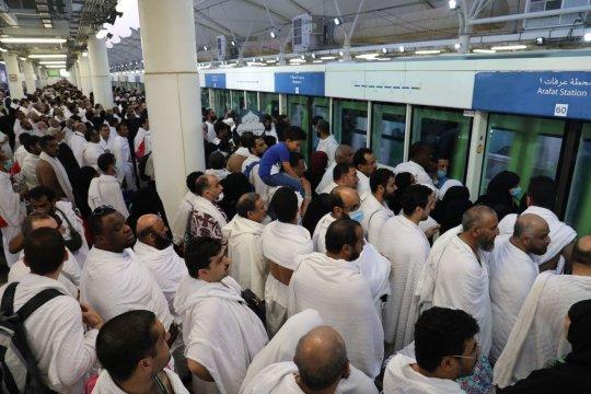 KA China beroperasi 156 jam selama musim haji di Mekah