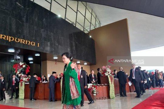 Sidang Tahunan MPR, Menkeu Sri Mulyani kenakan kebaya hijau