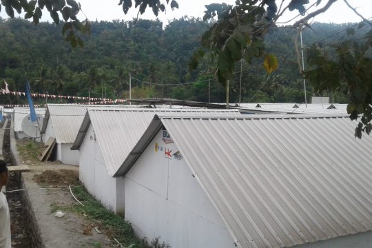 Sejumlah warga korban gempa Lombok masih tinggal di huntara
