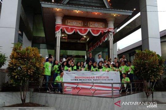 Peserta SMN 2019 asal DKI Jakarta kunjungi PT Pelni Ambon