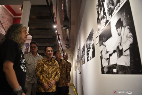 Pembukaan pameran Art and Diplomacy