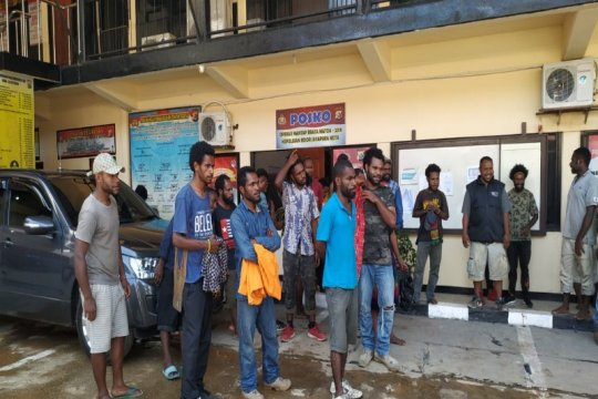 Polres Jayapura Kota memulangkan 66 orang pendukung ULMWP