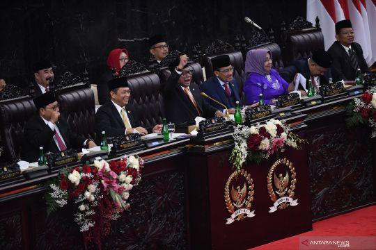 Bambang Soesatyo buka sidang dengan pantun