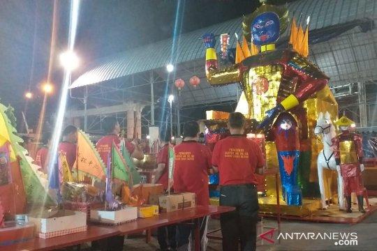 Warga keturunan Tionghoa Belitung gelar tradisi sembahyang rebut