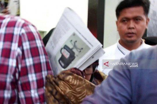 Tiga legislator Surabaya mangkir dari panggilan Kejari Tanjung Perak