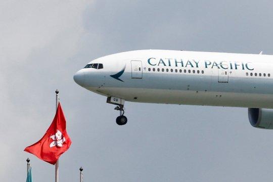 Pimpinan Cathay Pacific John Slosar mengundurkan diri
