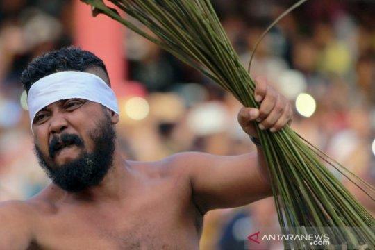 Tradisi Pukul Sapu negeri Mamala Page 6 Small