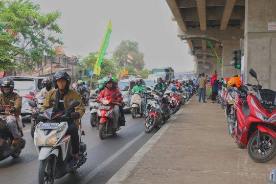 Lalu lintas padat di Jalur Kalimalang imbas Semarak Kalimalang