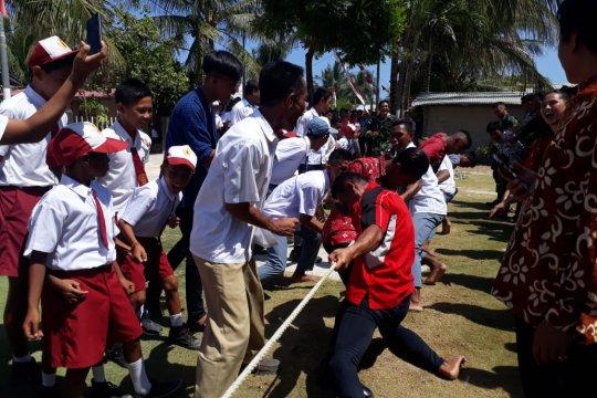 Peringatan HUT Proklamasi di pulau perbatasan Indonesia - Filipina