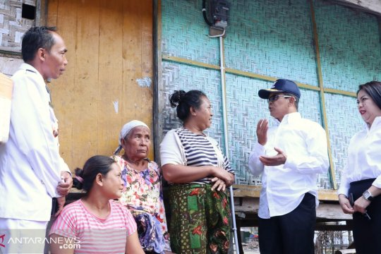 Asabri dan tiga BUMN lakukan bedah rumah di NTB