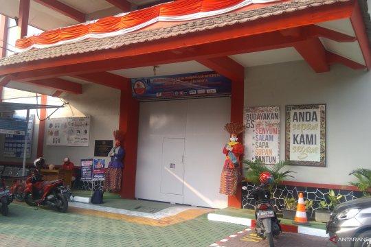 Indonesia Raya bergema di balik pintu Lapas Pondok Bambu