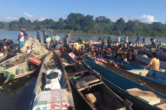 Polisi usut kapal terbakar di Sulawesi Tenggara