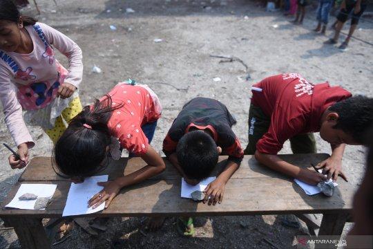 Anak nelayan pesisir Jakarta Utara antusias ikut lomba HUT ke-74 RI