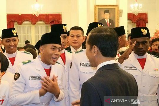 Presiden dan Paskibraka Peringatan HUT Ke 74 RI