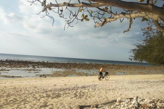 Puntung rokok jadi sampah paling banyak di pantai