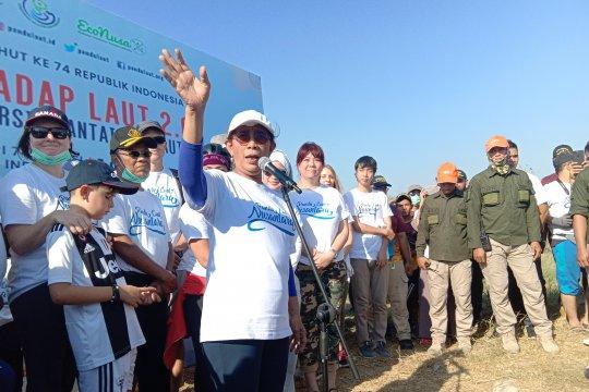 Menteri Susi pimpin gerakan masyarakat bersihkan sampah laut