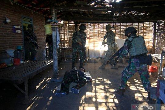 Latihan pertempuran jarak dekat Marinir Indonesia -USMC