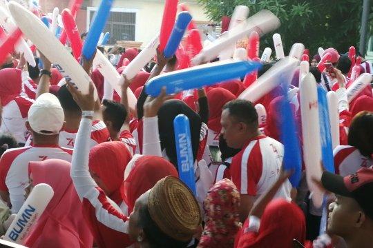 Bersih-bersih, Istri Gubernur Gorontalo ajak warga pungut sampah
