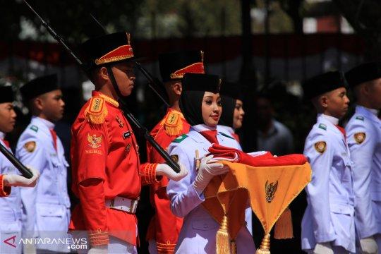 Pemprov Gorontalo beri hadiah untuk anggota Paskibraka