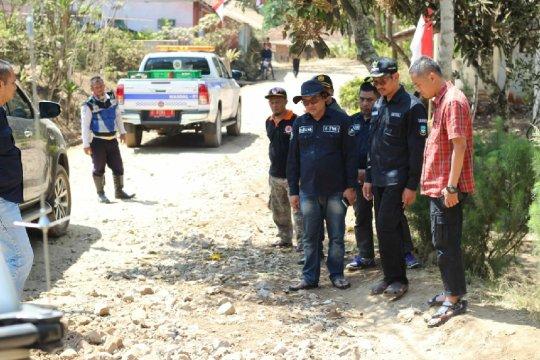 Wabup Garut kecewa pembangunan jalan beton di pelosok desa