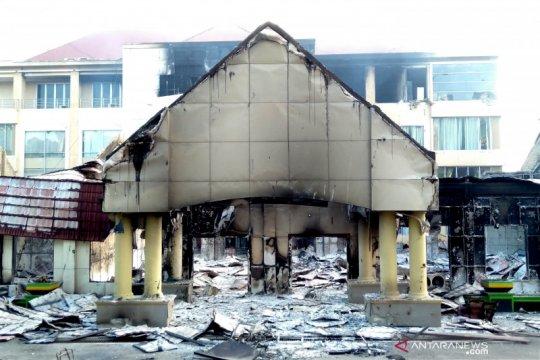 Polisi periksa anggota DPRD Papua Barat terkait pembakaran kantor
