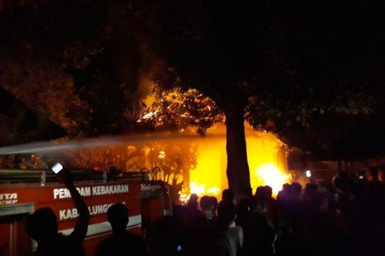 BPBD Bali: Wantilan Pura Dalem Ped terbakar