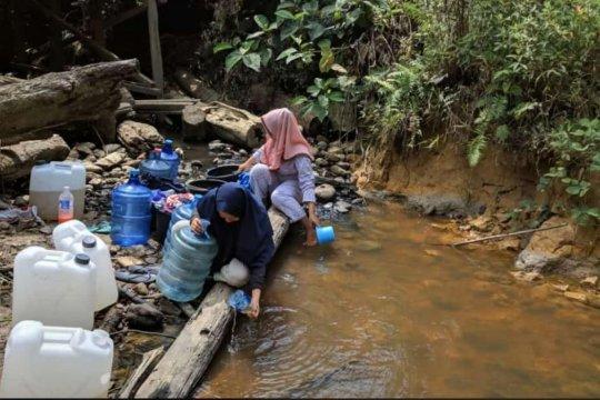 Krisis air dialami warga di perbatasan Indonesia-Malaysia