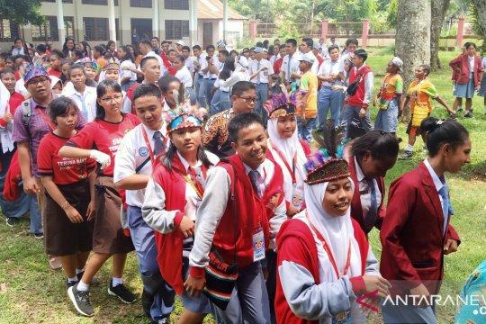 SMN Sulsel ikut menari Yospan di SMA YPPK Teruna Bakti Waena