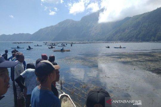 Seorang petani tenggelam di Danau Batur