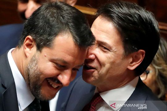 Perdana Menteri Italia mengumumkan mundur dari jabatannya
